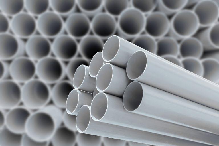 Tubería, conexión y válvulas en PVC